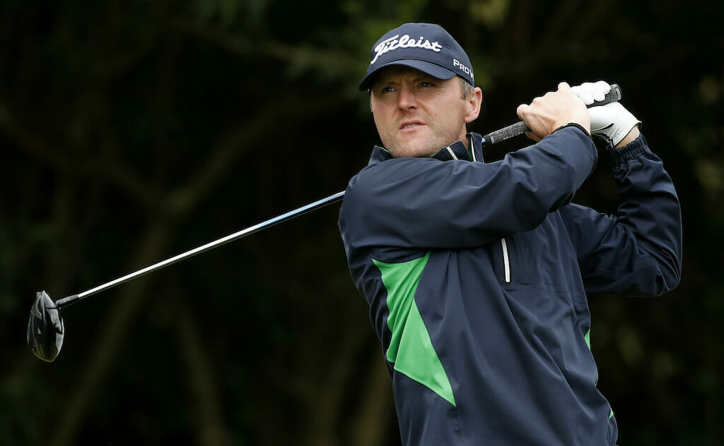Hoey hauls himself into contention after birdie blitz in Portugal